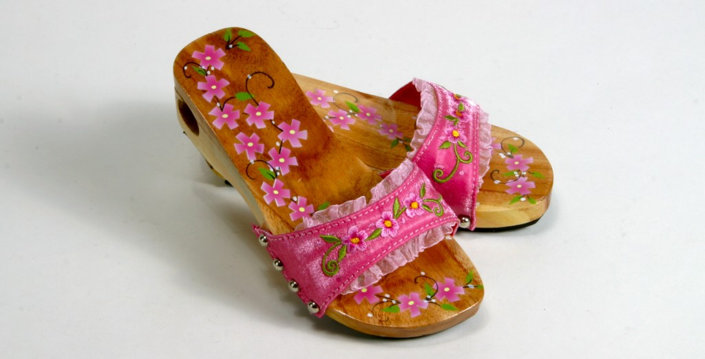 4dec4587727e I Wish I Could find These in My Size! They Are so Pretty and Flowery!