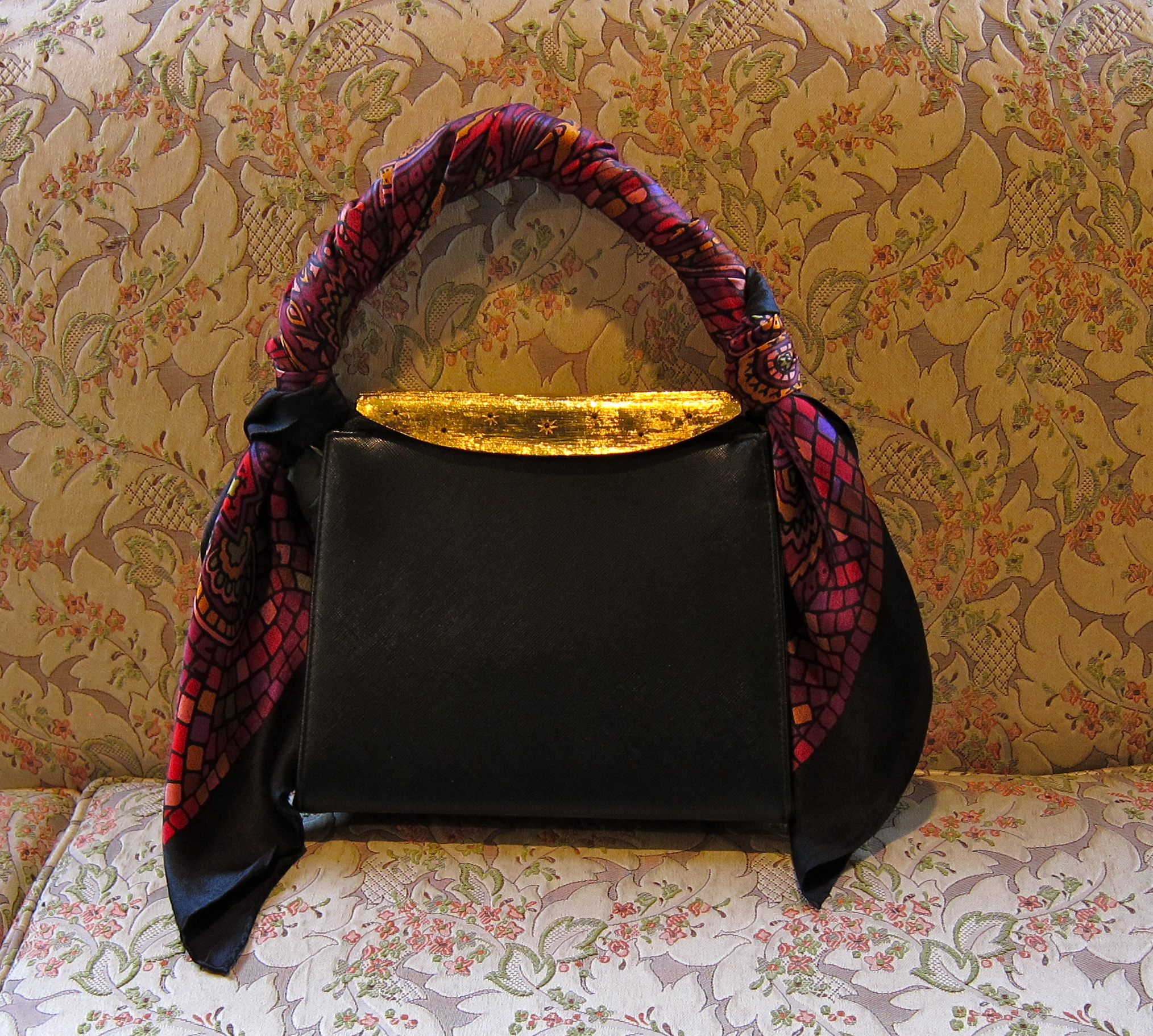 vintage and second hand hermes handbags and scarves from