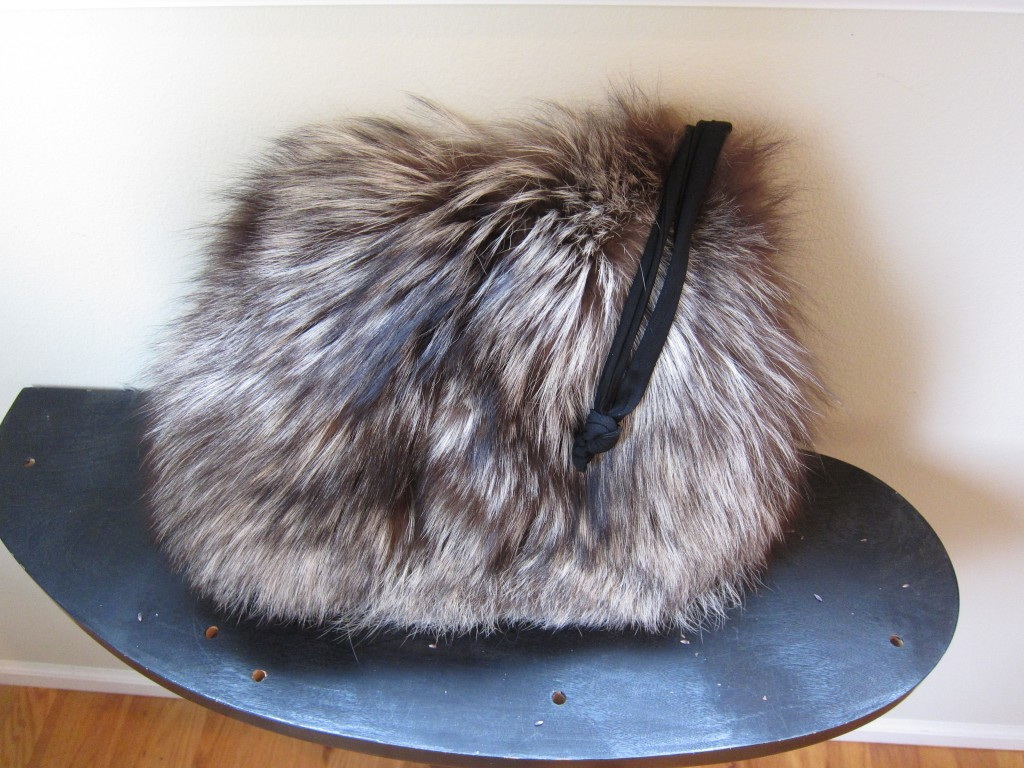 0d90b20495d Fluffy And Incredibly Soft Silver Fox Fur Muff ...