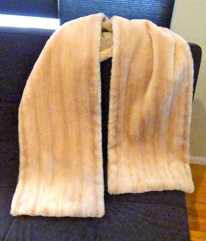 The Cream Sheared Racoon I. Magnin & Co. Fur Stole is Like Somthing a Hitchcock Heroine Would Have Worn in a Movie Set in San Francisco in the 1950s!
