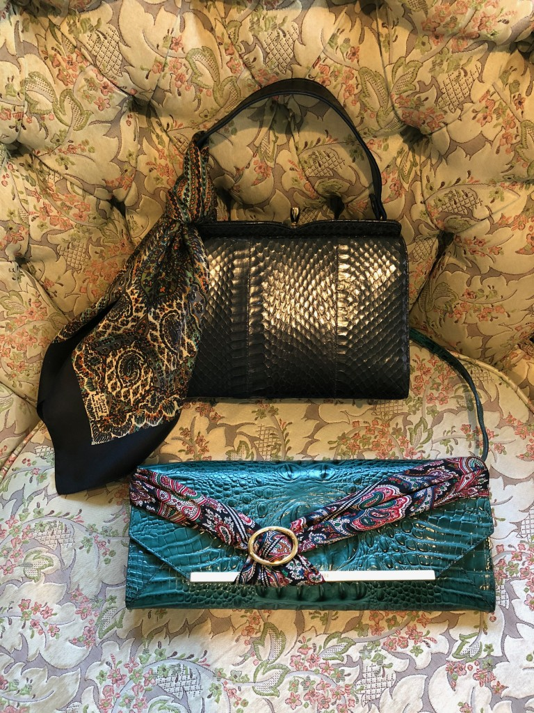 Beautiful Vintage Tropical Pattern With Exotic Flowers Deluxe Printing Small Purse Portable Receiving Bag